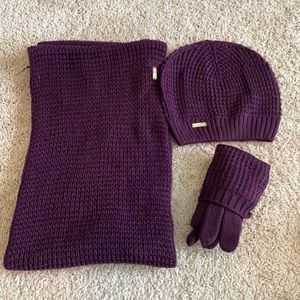 Scarf, beanie, gloves